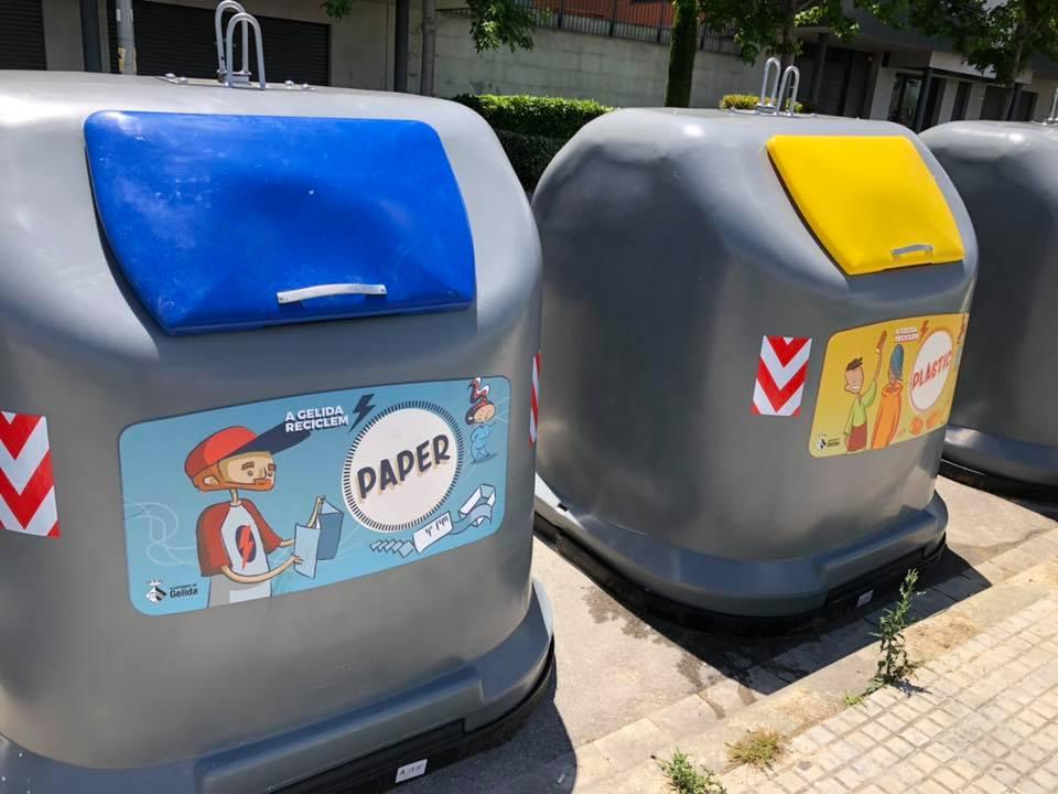 Contenidors de paper i de plàstic