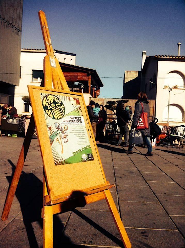 El mercat d'intercanvi tingué lloc a la plaça de la Vila de Gelida, davant l'ajuntament